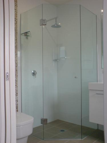 Great Lakes Wardrobes  Shower Screens